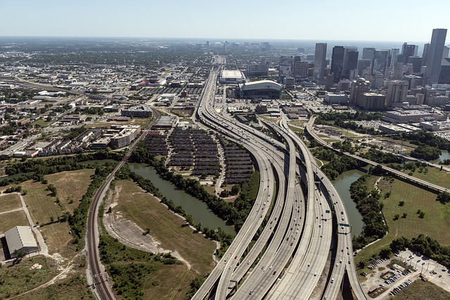 aerial-view-houston-highways-1049506_640